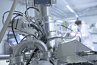 Spectrometer in a technical lab, close-up - SGF000935