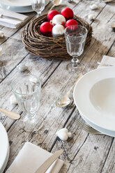 Laid table with Christmas decoration - LVF002144