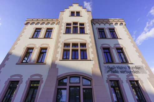 Germany, Dortmund, renovated industruial building at former industrial site Phoenix West - HOH001078