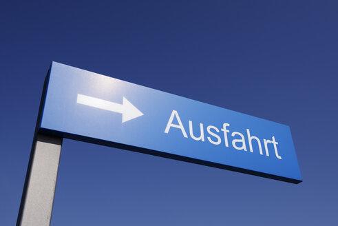 Germany, North Rhine-Westphalia, Duesseldorf, Exit sign - GUFF000027