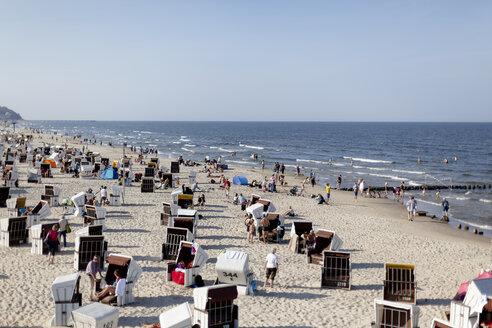 Germany, Mecklenburg-Western Pomerania, Ruegen, beach at Baltic seaside resort Binz - HCF000076