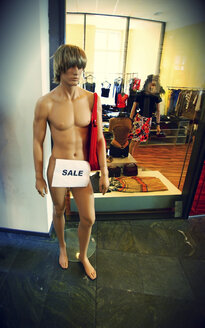 Sale sign on male dummy - HOH001124