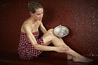 Woman in hamam - FSF000420