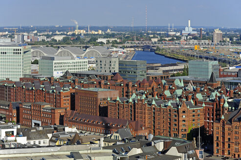 Germany, Hamburg, harbor, Speicherstadt and Hafencity - MIZF000749