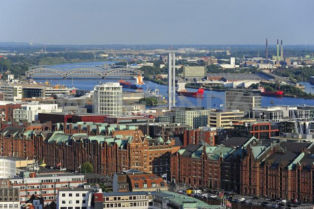 Germany, Hamburg, harbor, Speicherstadt and Hafencity - MIZF000753 - Michael Zegers/Westend61