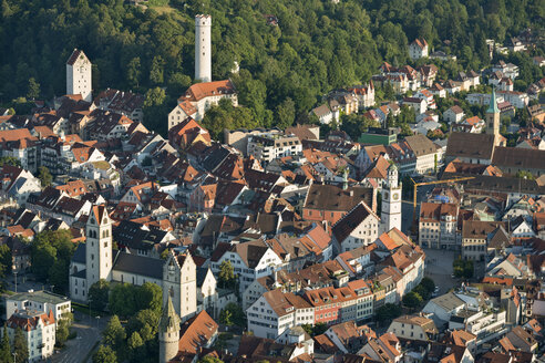 Germany, Baden-Wuerttemberg, Ravensburg, town towers in old town - SHF001595