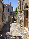 Italy, Sicily, Erice, view to empty alley - AMF003277