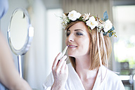 Bride getting ready for wedding - ZEF002526