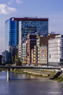 Germany, North Rhine-Westphalia, Duesseldorf, Media Harbour, Office buildings - THA000940