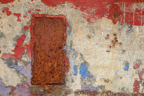 Steel plate with rust and remains of paint, close-up - WIF001170