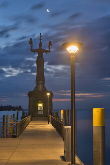 Germany, Baden-Wuerttemberg, Lake Constance, Constance, Imperia statue at harbor at dawn - SHF001692