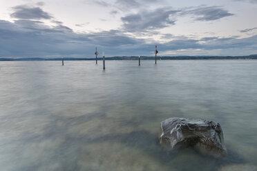 Switzerland, Thurgau, Lake Constance, Altnau, harbor entrance at dusk - SHF001668