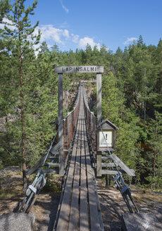 Finland, Southern Savonia, Kymenlaakso, Repovesi National Park, Lapinsalmi suspension bridge - JBF000163