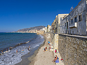 Italy, Sicily, Province of Trapani, Trapani, Old town, Beach and Via Mura di Tramontana Ovest - AMF003339