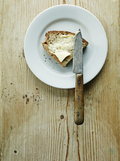 Plate with bread and butter - HOEF000292