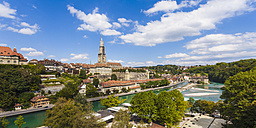 Switzerland, Bern, cityscape with minster and River Aare - WDF002757