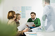 Business meeting in conference room - UUF002840