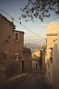 Spain, Baleares, Mallorca, Capdepera, view to alley at old town - DWIF000317