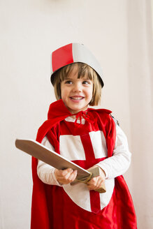 Portrait of little girl masquerade as a knight - LVF002460