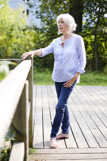 Senior woman outdoors - VRF000116