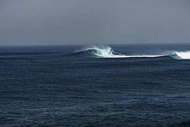Spain, Canary Islands, Fuerteventura, surf on the sea - STKF001101