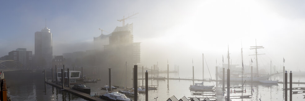 Germany, Hamburg, Elbphilharmonie and Hafencity in dense fog - NKF000225