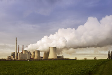 Gremany, North Rhine-Westphalia, Grevenbroich, Modern brown coal power station - GUFF000068