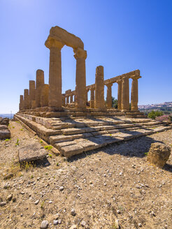 Italy, Sicily, Akragas, view to temple of Hera, temple D, at temple valley - AMF003505