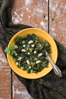 Soup with kale, canellini beans and conchiglie noodles - ECF001639