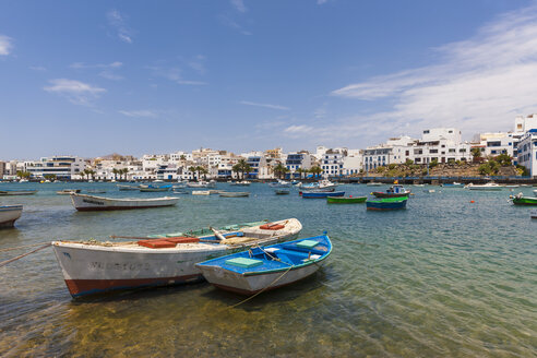 Spain, Canary Islands, Lanzarote, Arrecife, view to Charco de San Gines - AMF003523