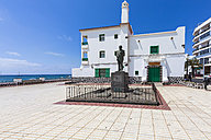 Spain, Canary Islands, Lanzarote, Arrecife, view to statue of Blas Cabrera Felipe - AMF003528