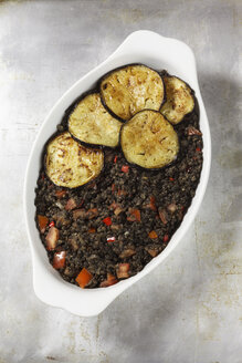 Vegetarian moussaka with aubergines, potatoes and lentils - EVGF001081