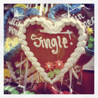 Gingerbread heart on a funfair - GWF003368