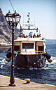 Greece, Cyclades, Santorini, boat arriving the port - EH000023