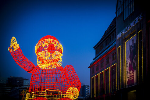 Germany, Berlin, lighted big sculpture of Father Christmas - BIG000044
