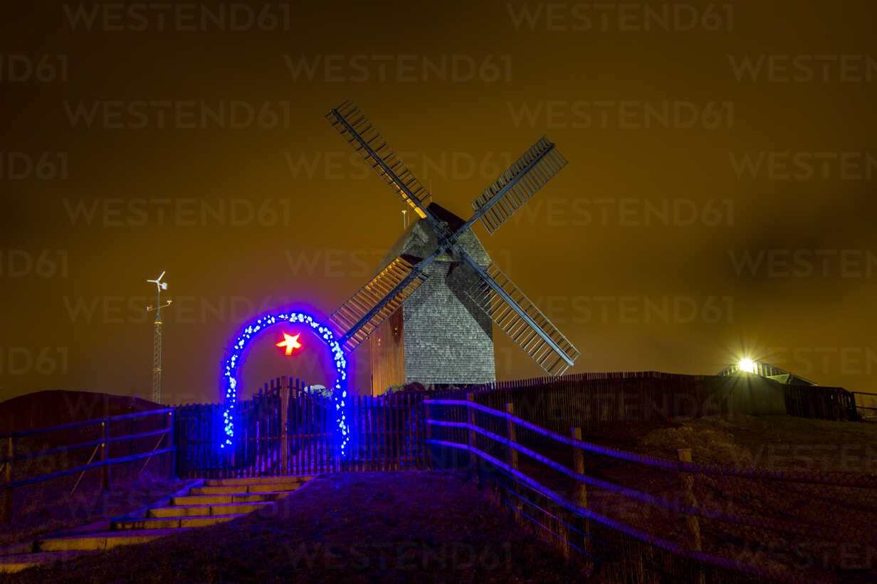 Germany, Berlin, Marzahn, windmill at night - BIG000045 - Big Man/Westend61