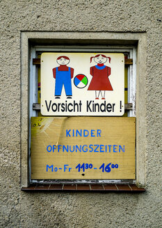 Germany, Mecklenburg-Western Pomerania, Kroeslin, kindergarten opening hours - BIG000037