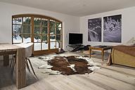 Living room with flatscrren TV - FF001429