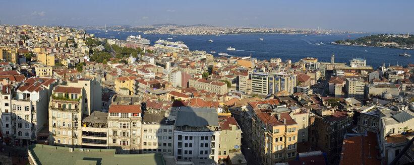 Turkey, Istanbul, panoramic view from Galata Tower over Beyoglu and Bosphorus - ES001499