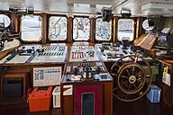 Pacific Ocean, sailing ship at Galapagos Islands - FOF007569