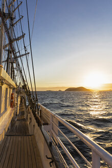 Pacific Ocean, sailing ship at Galapagos Islands - FOF007547