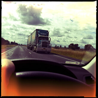 street, road trip, car vs truck, road train, new south wales, australia - LUL000056