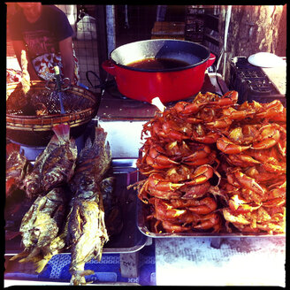 street restaurant selling fish and crabs, next to the u bein bridge, amarapura, myanmar - LUL000141