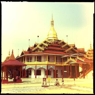 The Ngaphe Chaung Monastery, inle lake, myanmar - LUL000215