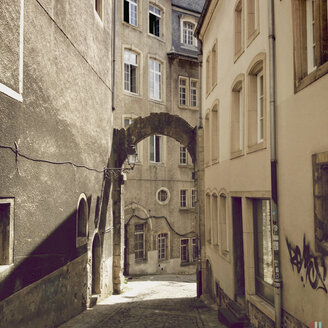 Luxembourg, passage in old town - SEF000872
