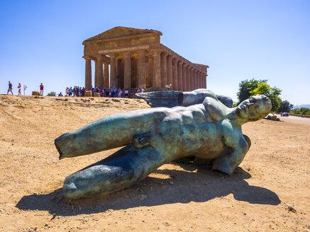 Italy, Sicily, Agrigento, Valle dei Templi, Concordia temple with fallen bronze statue - AMF003622