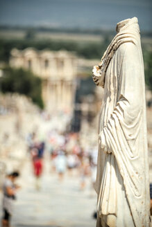 Turkey, Ephesus, torso at sunlight - EHF000097