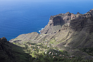 Spain, Canary Islands, La Gomera, Valle Gran Rey, Tejeleche Mountains, View to Taguluche - SIEF006395
