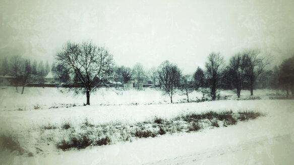Grermany, Landshut, Snow covered landscape - SAR001370
