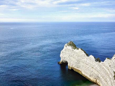 France, Normandy, Etretat, Cote d'Albatre, rocky coastline - SEGF000214